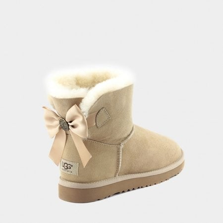 Угги UGG Mini Bailey Bow Medallion Sand